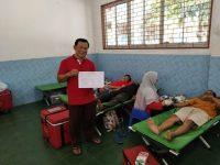Relawan Iyan Setiawan Adakan Donor Darah