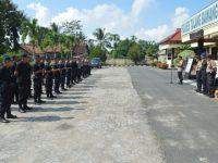 Polres Tulang Bawang Lakukan Pengamanan Rapat Pleno Rekapitulasi Hasil Pemilu Di PPK Tingkat Kecamatan
