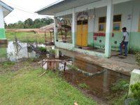 Pagar SMAN7 Sarolangun Jebol, Dua Lokal di Genangi Air