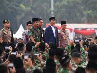 Presiden Menghadiri Buka Puasa Bersama Panglima TNI Kapolri dan Ratusan Prajurit TNI-Polri di Monas
