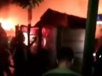 Lapak Madura di Tangsel Kebakaran, 16 Unit Damkar Dikerahkan