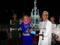 Lepas Peserta Pawai Takbir Idul Fitri 1440 Hijriah, Hj. Winarti SE MH bersama Forkopimda, Berbaur Dengan Masyarakat