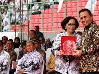 Ketua Umum PGRI Dikukuhan Sebagai Guru Besar di UNJ
